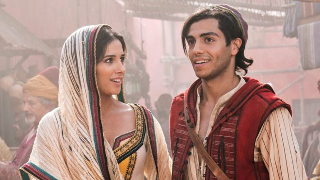 Aladdin 2019 escena con Jazzmin