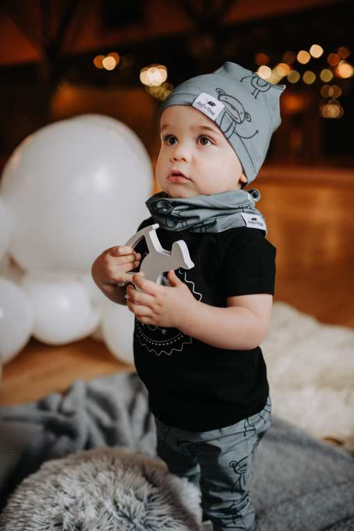 Unisex baby outfit for girl or boy, kid, toddler