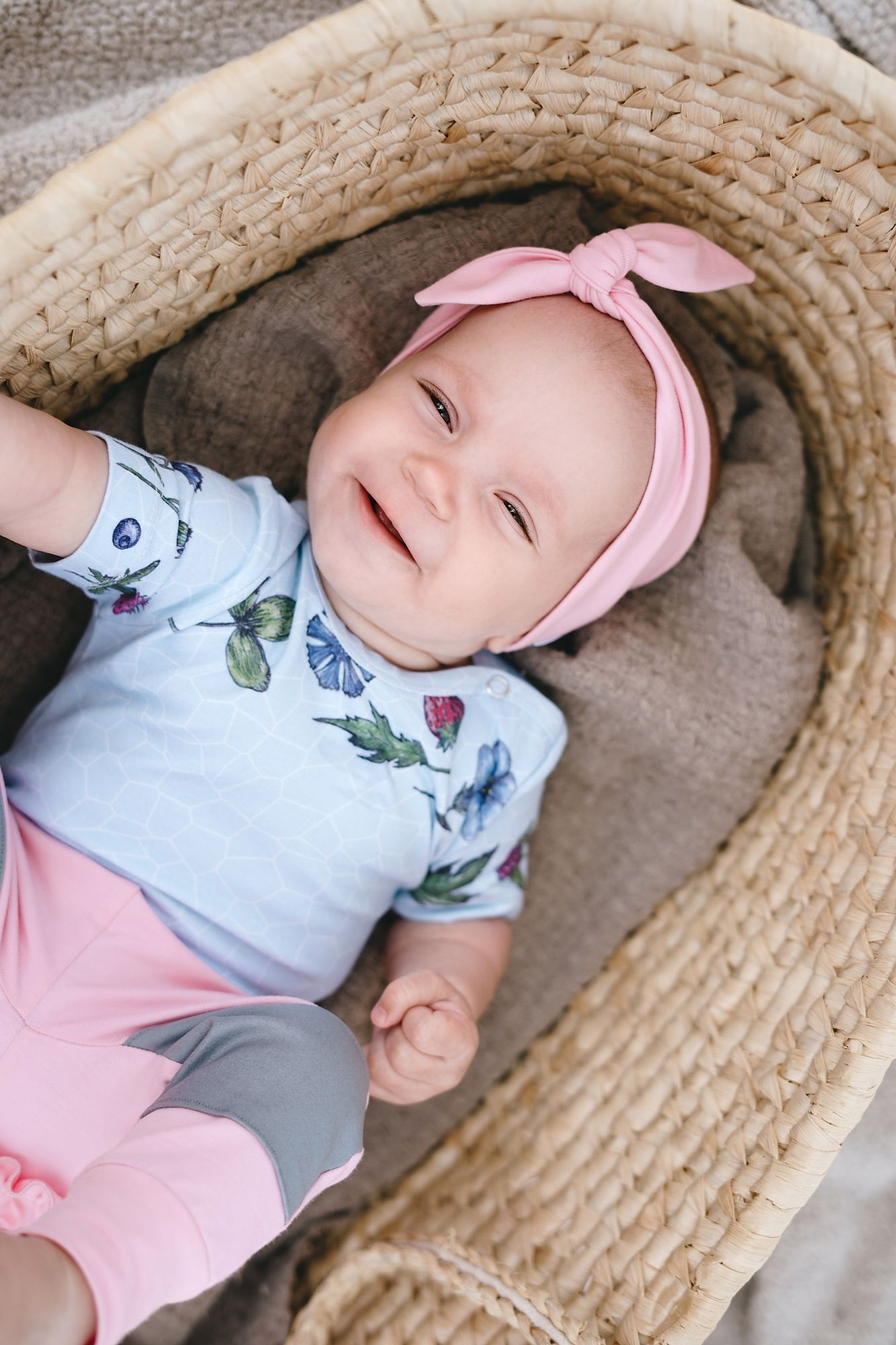 Unisex baby girl or boy blue flower bodysuit and pink headband