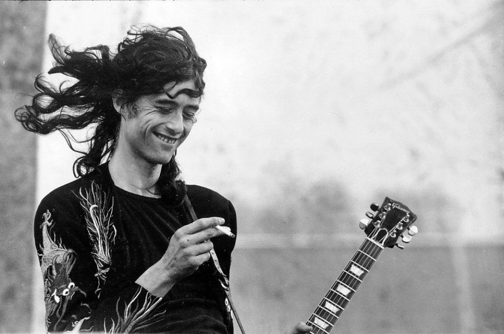 Jimmy Page smoking