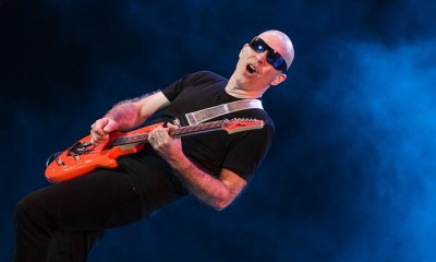 Joe Satriani flying