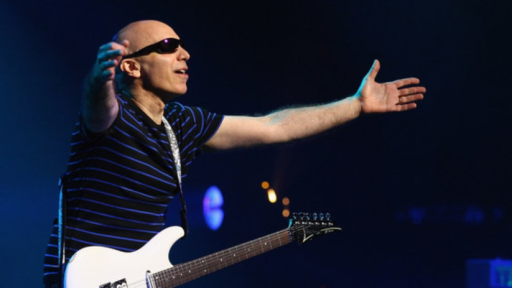 Joe Satriani open arms
