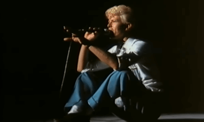 Back In Time: David Bowie sing's John Lennon's Imagine