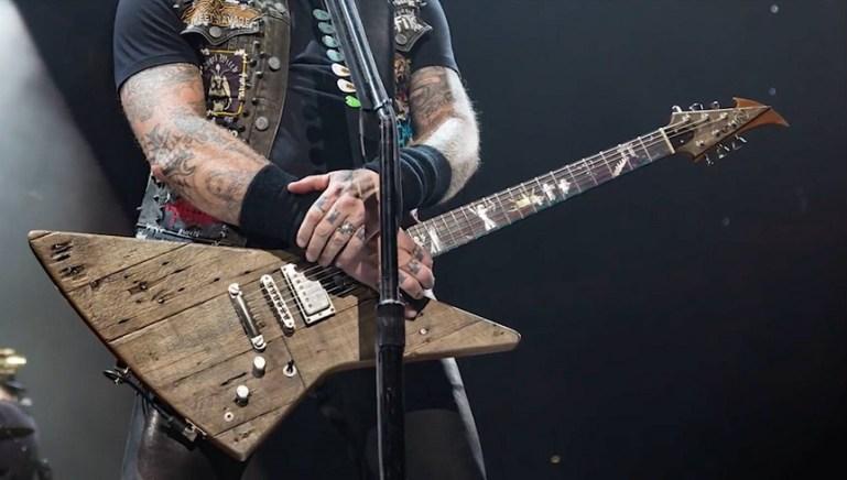 Wood guitar metallica