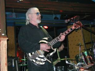 Deke Leonard, guitarist for Man and Iceberg