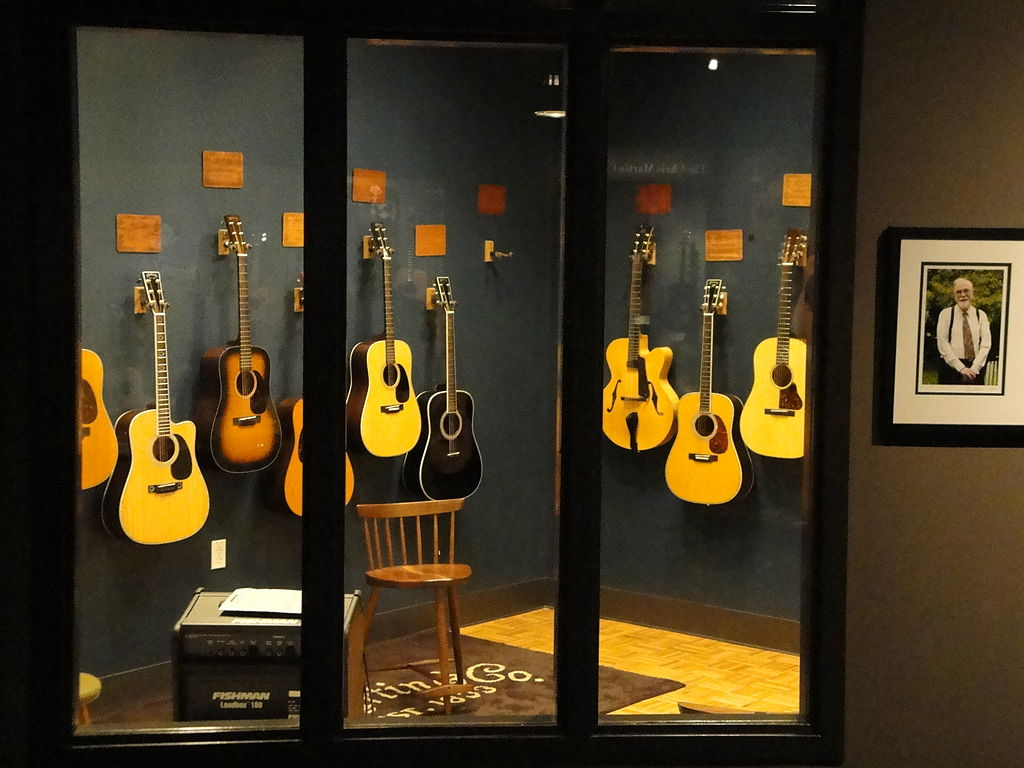 c f martin co the oldest surviving maker of guitars in the world. Black Bedroom Furniture Sets. Home Design Ideas