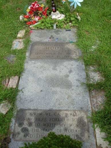 Shannon Hoon's Gravesite