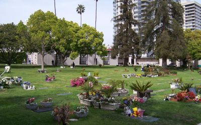 Buried here – Frank Zappa, Roy Orbison, Carl Wilson And Minnie Riperton