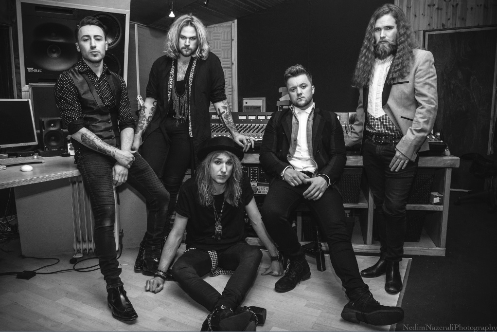 NATHAN JAMES (INGLORIOUS) - Entrevista / Interview