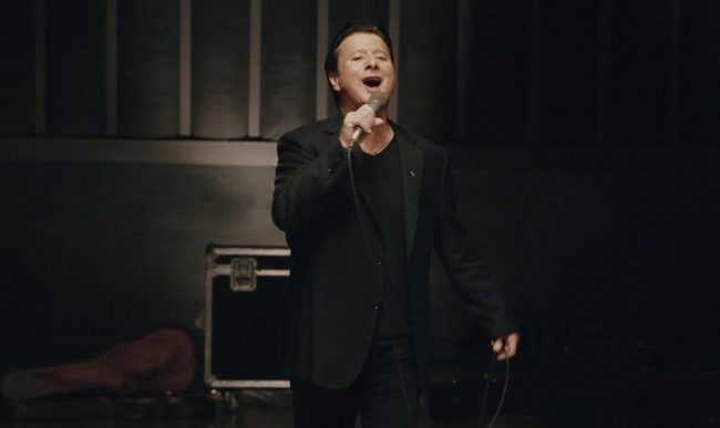 """STEVE PERRY - Tracklist y adelanto de """"Traces"""""""