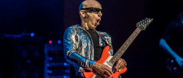 Joe satriani brings his retrospective tour and otherworldly fusion by m4hsunfo