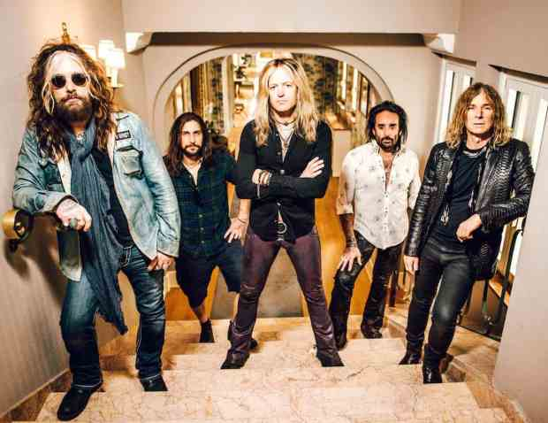 The-Dead-Daisies-2016-Groupshot-LoRes