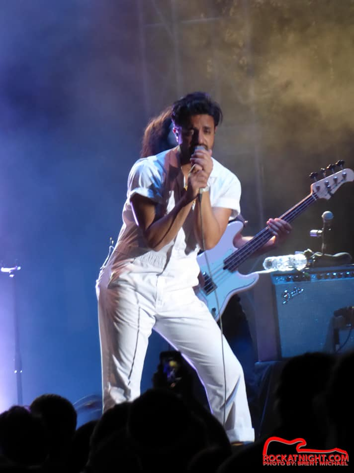 0077 Young the Giant – Busch Gardens 3-18-2017_950