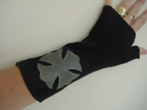 Fingerless Recycled Cashmere Glove