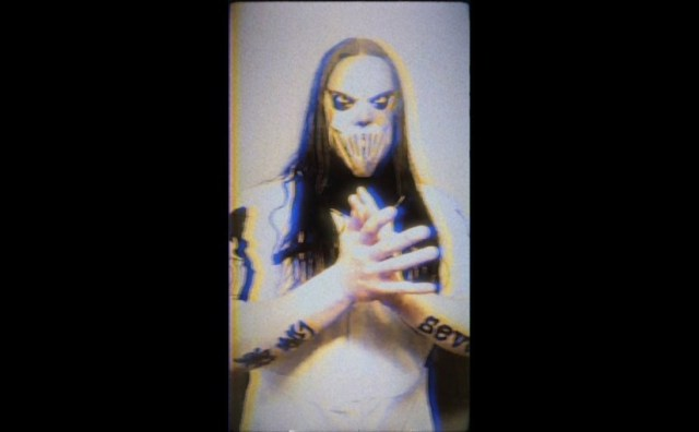 "Slipknot lança video vertical para ""Birth Of The Cruel"""