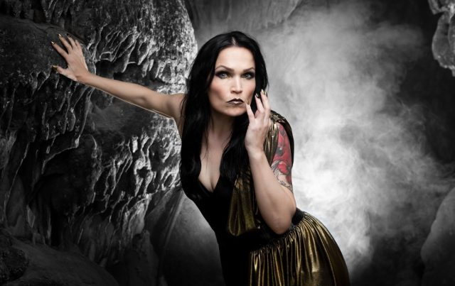 "Tarja lança clipe para sua nova música ""Tears In Rain"""