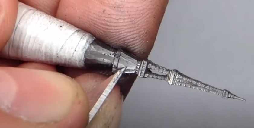 works of art by carving the nib of pencils