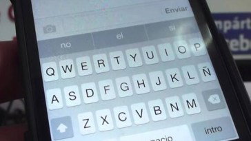 How to Enlarge iPhone Keyboard Size