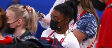 tokyo-olympics:-simone-biles-back-to-competition-for-the-beam-final
