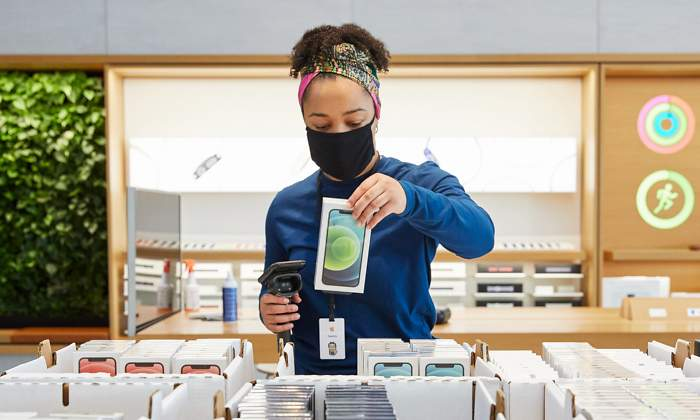 apple-employees-protest-against-scanning-user-files-on-iphone
