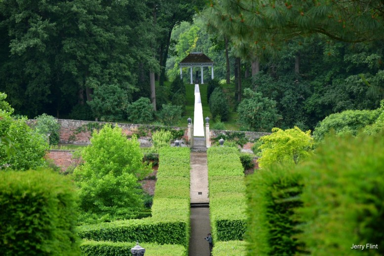Buscot Gardens