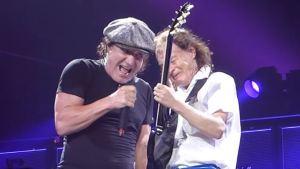 Axl Rose 是否能收服挑剔死忠的 AC/DC  歌迷?