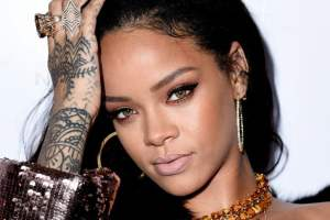 Rihanna , 我們不只喜歡妳. 我們尊敬你.
