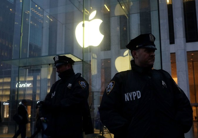Apple Is Said to Be Trying to Make It Harder to Hack iPhones – The New York Times