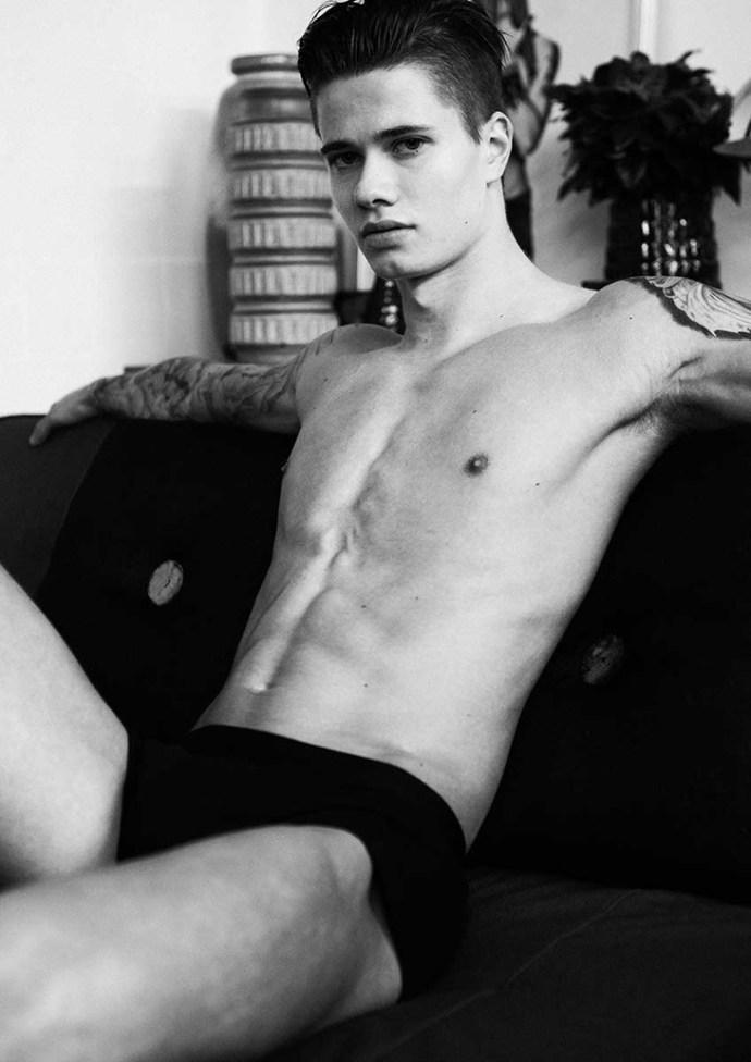 Sam-Darren-Black-03