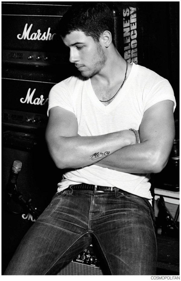 Nick-Jonas-Cosmopolitan-Photo-Shoot-006-800x1242