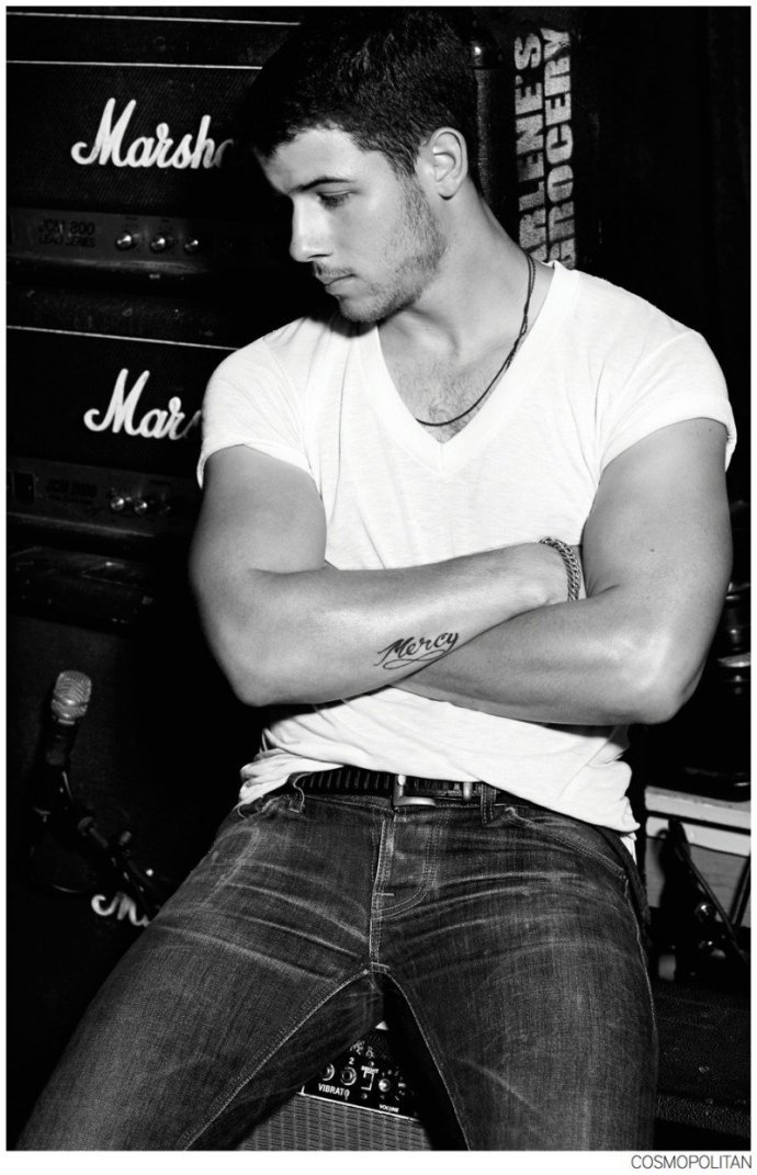 Nick-Jonas-Cosmopolitan-Photo-Shoot-006-800x1242