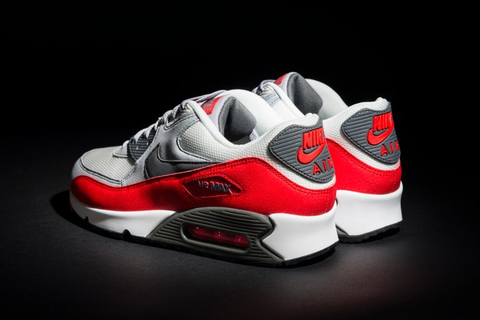 Nike Air Max 90 Essential 139,99€  (3) ANGLE SHOT