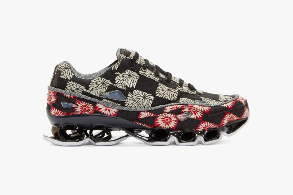 raf-simons-adidas-originals-black-floral-sneakers-1-960x640