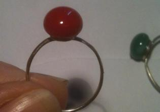 Small glass cabochon ring