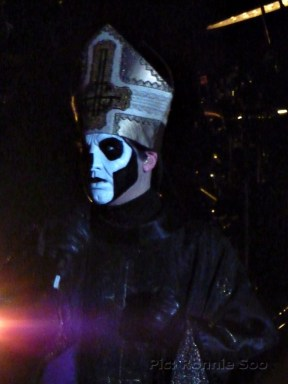 Papa Emeritus III in hat