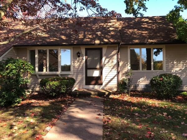 #369 Hubbard Street - Newly Renovated 2 Bedroom, Hardwood Floors, Screened Porch