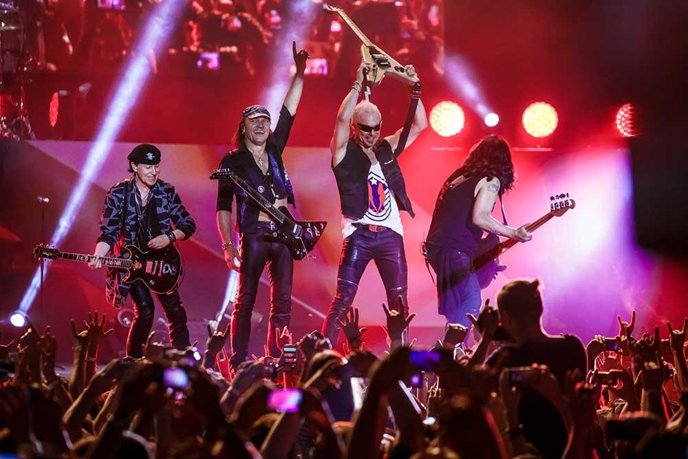 Scorpions на сцене (фото)