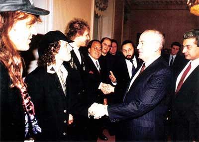 Scorpions и Горбачев в 1991-м (фото)