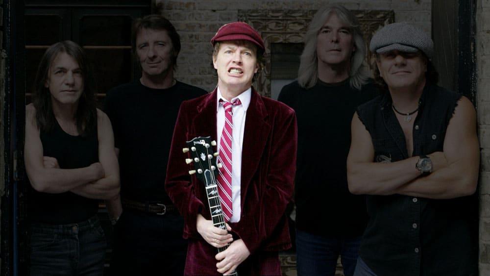 В AC/DC из ключевых участников остался только Ангус Янг (фото)