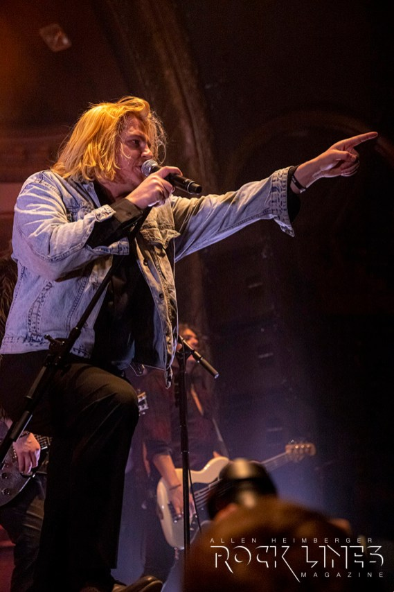 The-Glorious-Sons-IMG_4013-70-200