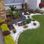 Beautiful Garden Landscaping Design Ideas 19
