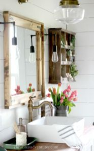 Rustic farmhouse style bathroom design ideas 25