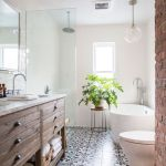 Rustic farmhouse style bathroom design ideas 38