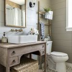 Rustic farmhouse style bathroom design ideas 9