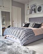 Inspiring Simple And Comfortable Bedroom Design and Layout 35