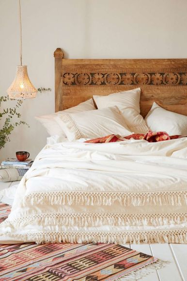 Inspiring Simple And Comfortable Bedroom Design and Layout 65