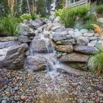 Make a mini waterfall in the garden 17