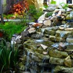 Make a mini waterfall in the garden 30