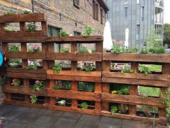 Amazing Creative Wood Pallet Garden Project 28