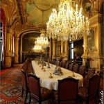 Glorious and Luxury Western Dining Room Design 26